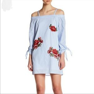 Romeo & Juliet Off The Shoulder Tunic  (T107)